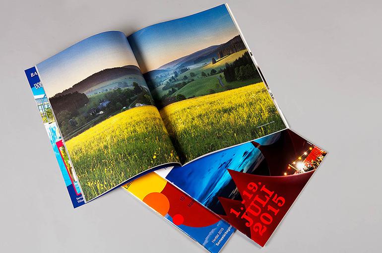 Zeitschriften und Magazine mit-ohne Glanzumschlag, geheftet und geschnitten - Bild 3